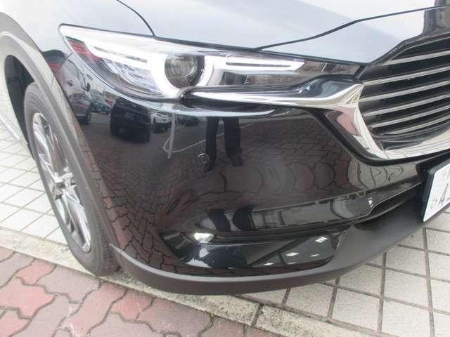 ハイビームとロービ-ムを細かく切り替えを車がやってくれるLEDヘッドライトです。霧でも安心のフォグランプ付きです。