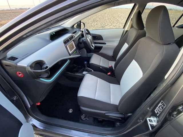 <フロントシート>車検令和4年3月。