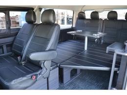 乗用車とは思えない空間でハイエースライフを存分にお楽しみください♪