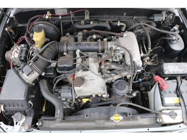 経済性に優れた2700cc3RZエンジン!タイミングチェーンで、10万キロ毎のタイベル交換も不要!