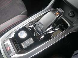 LEDヘッドライト/ハーフレザー/フルセグTV/バックカメラ/コーナーソナー/特別低金利1.9%実施中!特典多数プジョーオーナー様限定自動車保険が新登場!買取強化キャンペーン!