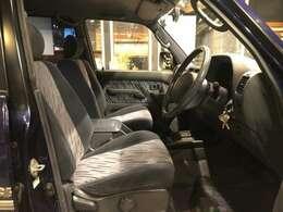ABSと前席エアバック標準装備♪