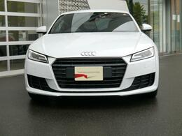 国内最大級のショールーム、Audi みなとみらいに併設するAudi Approved Automobile みなとみらいでは、コンパクトからハイエンドまで、幅広いモデルを展示場に30台展示しています。