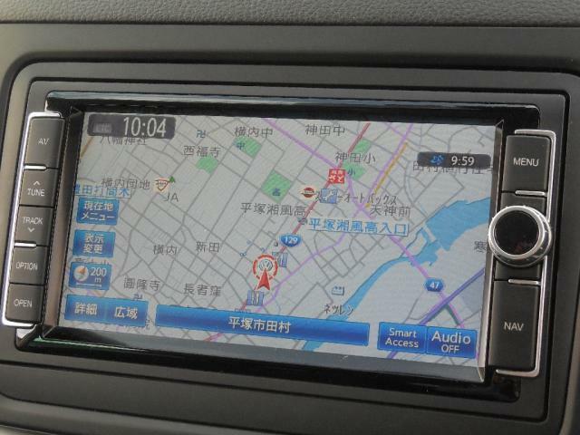 Volkswagen純正ナビゲーションシステム712SDCW。ワイド7型ディスプレイ、タッチパネル。フルセグTVチューナー、CDDVDプレーヤー、SDHCメモリーカード再生、FMAMラジオ。