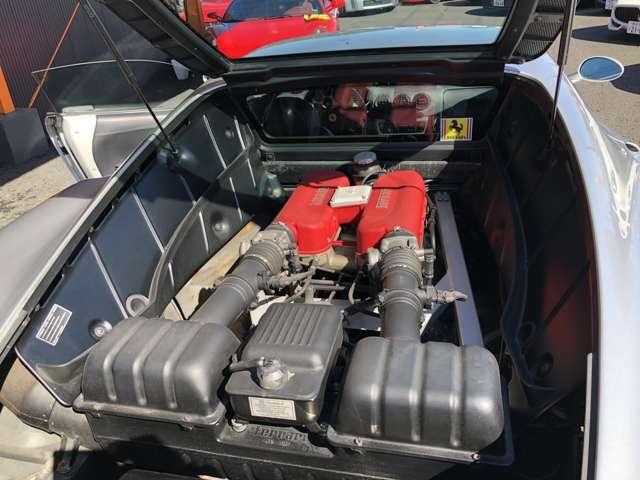 1気筒5バルブの3.6L V8エンジンをミッドシップエンジン!