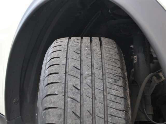 タイヤの山も5分山以上!安心のタイヤで楽しくドライブして下さい★