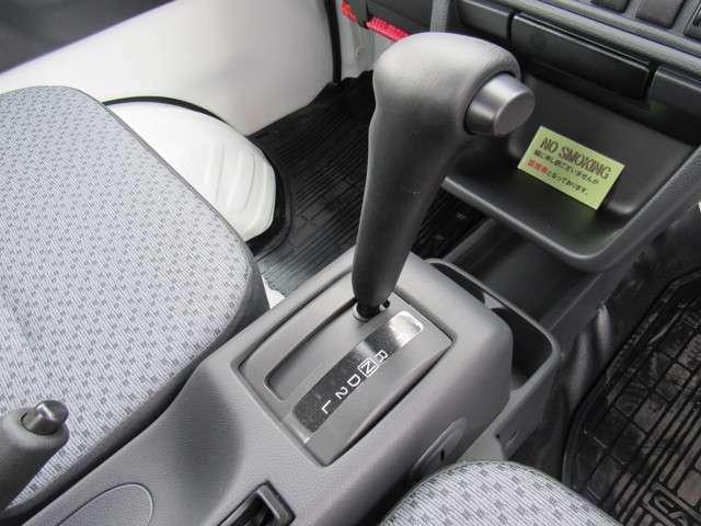 カーセンサーを見た!とお気軽にお問い合わせ下さい☆カーセンサー無料フリーダイヤルなら通話料も無料です♪0066-9711-681765(無料)内外装美車のお買い特車を多数展示しています☆