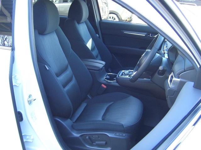 運転席、助手席はシートヒーター装備です 寒い日に重宝します