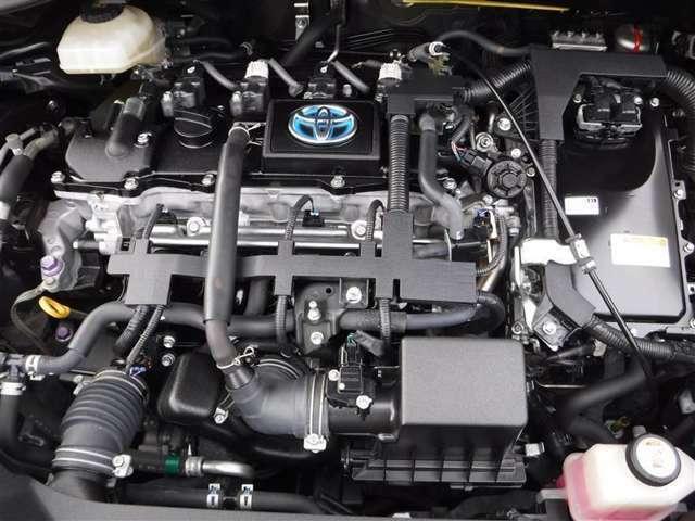 納車前に厳しいトヨタ検定に合格をしたエンジニアが整備をします。その中でオイル交換や消耗した部品のチェック、必要であれば、交換を行います。納車時にはバッチリ整備した車で納車します。