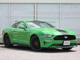 Need for greenのみレーシングストライプが施工されております!これもまたアメリカンスタイルですね☆