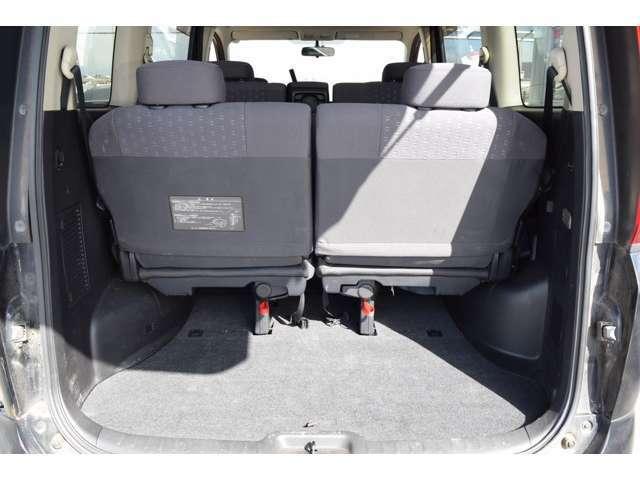 3列目シートを畳めば大容量のラゲッジスペースが出現!一杯荷物を積んでレジャーに出かけましょう!
