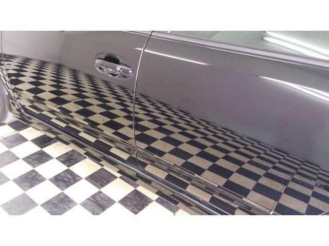 Bプラン画像:映り込みもこの通り!また洗車も楽になりますのでいい状態をキープしやすく洗車時間の短縮にもつながります!