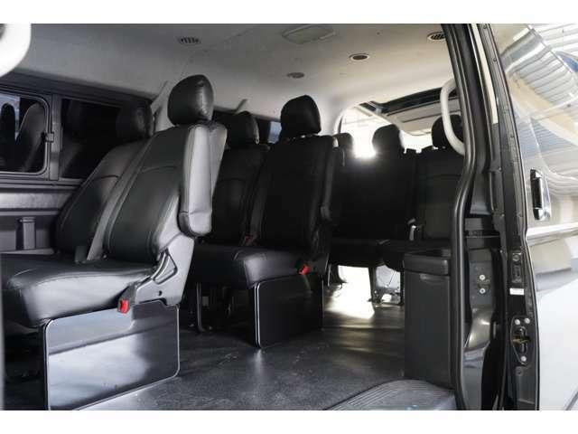 10人乗り クラッツィオ新品シートカバー インパネピアノブラック取付 サードシート跳ね上げ収納可能 室内等LED交換済