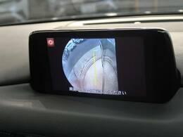 【サイドカメラ】お車を停車する際に死角になりがちな障害物を確認でき、雨天時や夜間などは特に活躍しますね。