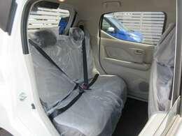 リヤシートの足元も広くて快適