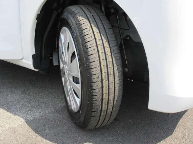 タイヤの溝はたっぷりあります
