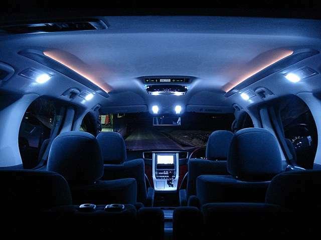 Aプラン画像:純正の車内のランプは黄色くて暗い・・・SMDタイプのLEDに交換すると3倍以上明るくなり夜間の視認性が格段に良くなります(^^)