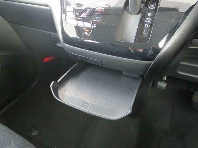 収納が充実している点もデイズのアピールポイントです!いつでも綺麗な車内を保つことが出来ます!