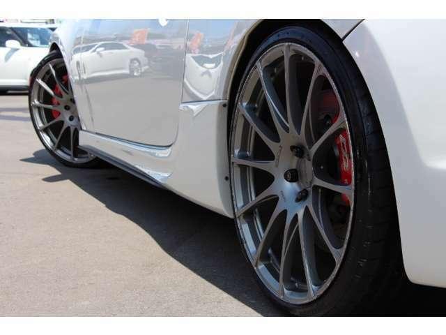 プロドライブ鍛造20インチAW 高価でお洒落 スポーティーなアルミホイールが足元を引き締めます!