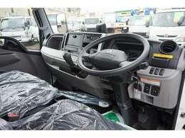 AC PS PW SRS ABS 電格ミラー 排気ブレーキ キーレス 車線逸脱警報装置 LSD 運転席肘掛け フォグランプ