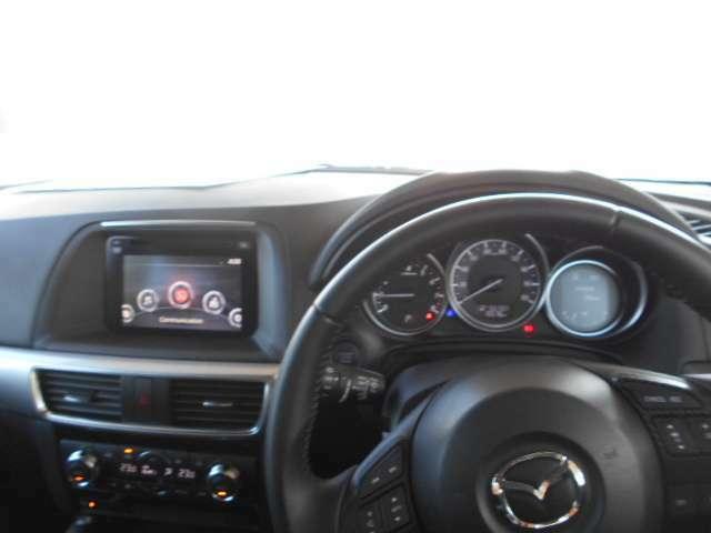 アイポイントが高い一台の為、セダンワゴンタイプより運転しやすいです。