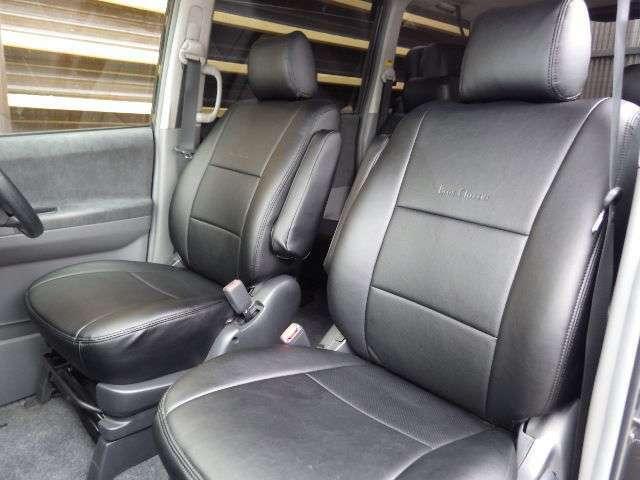 ブルーオーシャンの展示車は、全車1年間走行無制限無料保証です!保証料の追加料金はかかりません!納車前も、高速試乗等行います!