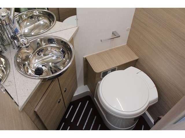 メイクやシャワールーム、トイレルームとしてご利用可能です。