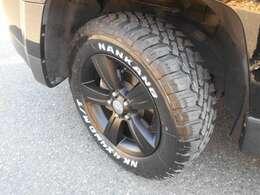 タイヤは新品MTパターン!ホイルは純正ブラック加工!