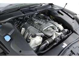 <主要諸元>4.8L V型8気筒DOHCツインターボ、570ps/81.6kgm
