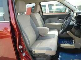 運転席助手席使用感はありますがきれいです