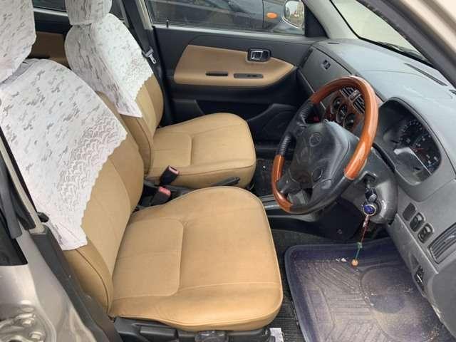 購入頂いた車輌は当店スタッフが自社工場にて1台1台整備・点検を行い快適なカーライフをお客様にお届けられるように努めております。