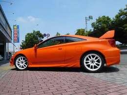 全塗装・車高調・WORK17AW・ワンオフマフラー・内装オリジナル仕上げ等々、オプション金額を積み上げますと、もう一台買えてしまうほどの金額になります。