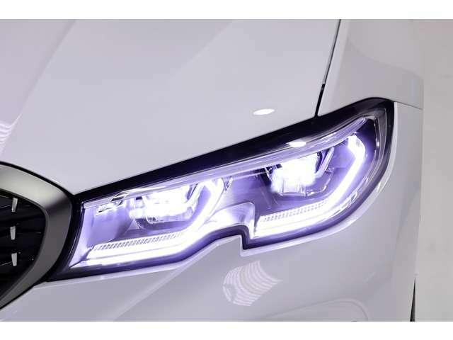 BMWレーザーライト付き