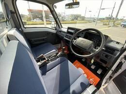 今回紹介させていただく車両は、H24サンバートラックです。グレードはTCスーパーチャージャーです。