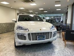 ポルシェ カイエン ターボ ティプトロニックS 4WD 新車保証書記録簿認定中古車出身