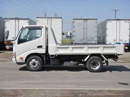 車両総重量4945kg 最大積載量2000kg