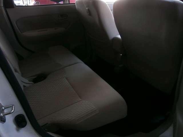 後部座席も広いのでゆったり座れます♪カーセンサー無料電話はこちら:0078-6002-335284