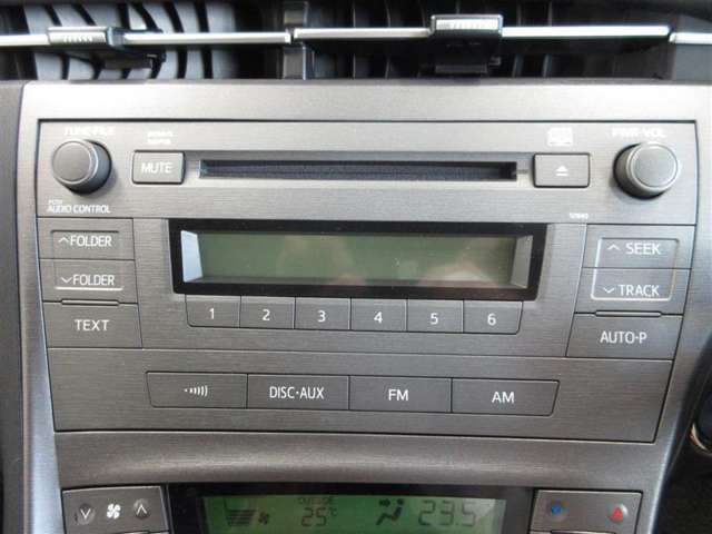 純正CDチューナーです。