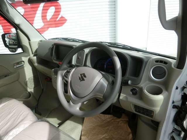 新車未登録のお車をベースにしていますので程度は申し分ありません!PZグレードはシートも乗用車規格で非常に豪華です!