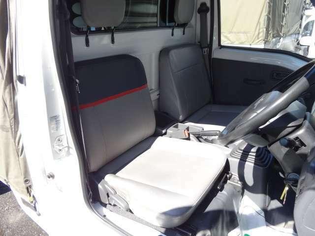 ★元赤帽車はシートもスペシャルです!!耐久性の有るシートで長距離運転も疲れずらいです♪★