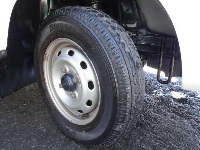 ★タイヤも山タップリございます!安心してお仕事、プライベートにお使い下さい。★
