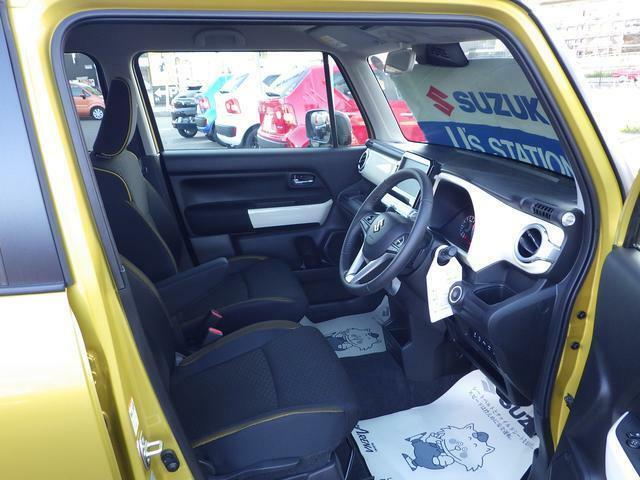 広く大きなドアを開けると座り心地の良い大きめなシートで快適なドライブが満喫できます!