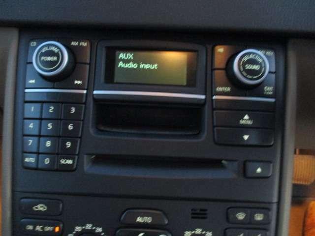 オーディオです! ipodも繋げます!  数ある自動車販売会社から当社の車両をご覧頂き本当にありがとうございます。電話によるお問い合わせは0066-9711-894848(無料)まで!!