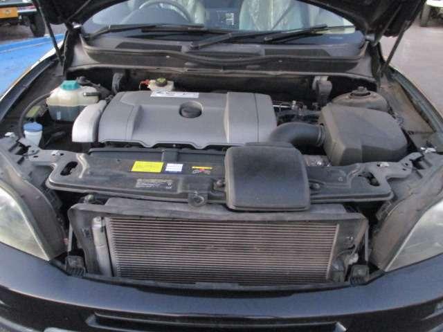 エンジンルームです!  数ある自動車販売会社から当社の車両をご覧頂き本当にありがとうございます。電話によるお問い合わせは0066-9711-894848(無料)まで!!