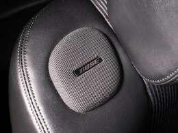 ★BOSEサウンドシステム付!スピーカー!専用に音場設計された臨場感あふれるサウンドシステムです!前席シートの両肩にもスピーかー配置されています!!