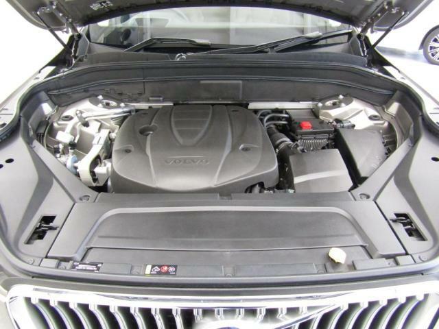 ボルボのクリーンディーゼルエンジンでもっともパワフルなD5エンジン搭載。