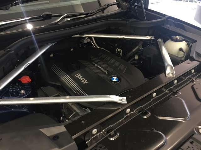 【ご納車前点検】BMW認定中古車は100項目の箇所を徹底的にチェック致します。機械的な箇所や電気系、コンピューターなどをご納車前に点検し、交換基準に達した部品は全て新品に修理返品した後にご納車致します。