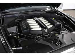 6600cc V型12気筒ツインターボエンジン