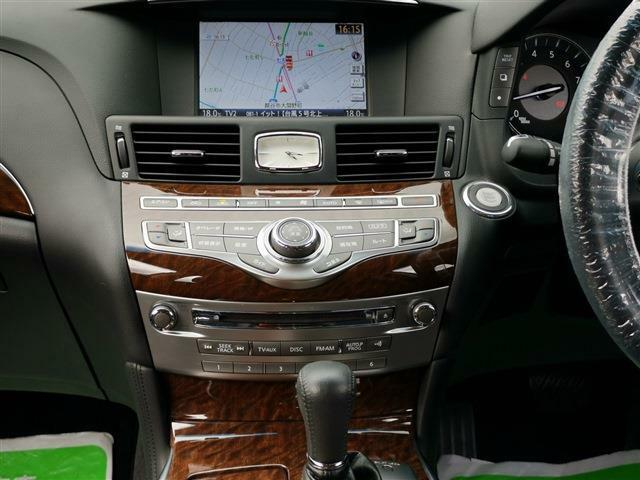 車に乗った瞬間から、様々な面でアナタをサポートしてくれる『カーナビゲーション』付!