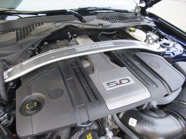5.0L-V型8気筒エンジン